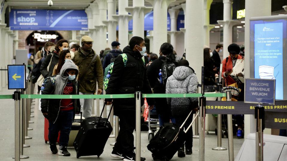 Covid 19: Bangladesh among new countries added to England's travel ban list