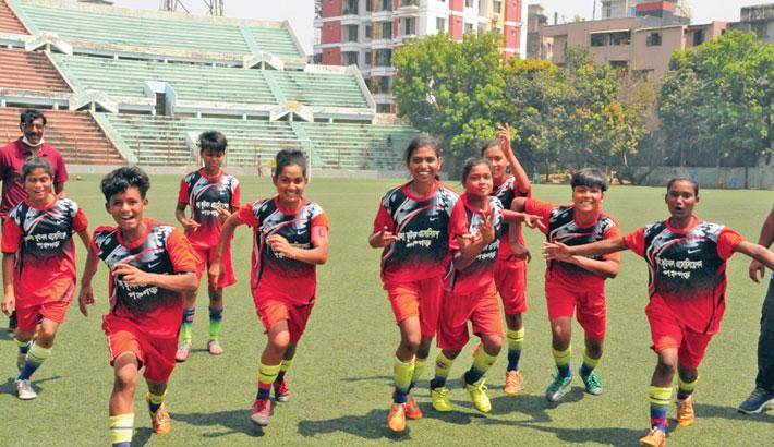 Magura, Panchagarh win in women's football