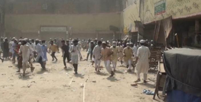 Hefazat, police clash in Gazipur; 20 injured