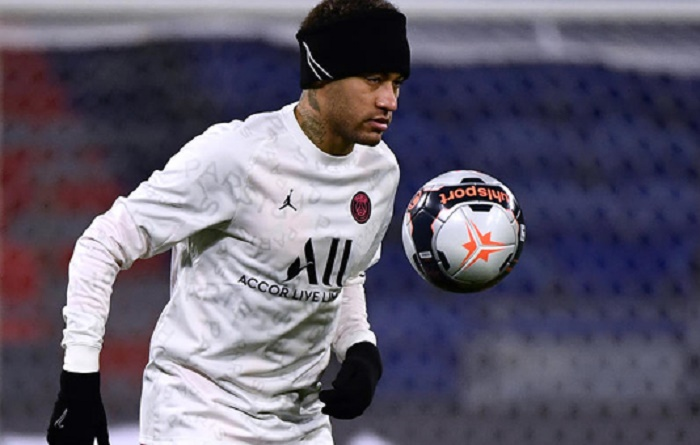 Neymar back for PSG in time for decisive week