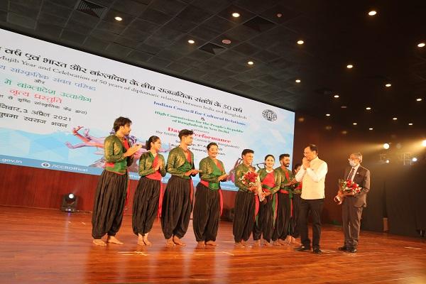 Bangladesh HC in New Delhi, ICCR organise dance marking 50 years of diplomatic relations between Bangladesh-India
