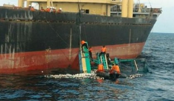 17 missing after Indonesia boats collision