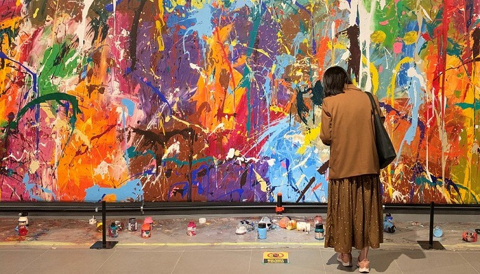 Graffiti art defaced by spectators at South Korea gallery