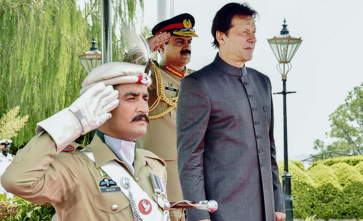 Nawaz's revenge puts Pakistan military on defensive