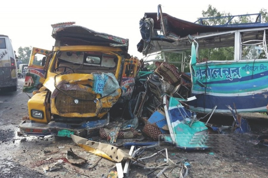 513 people killed in 409 road accidents last month: Report
