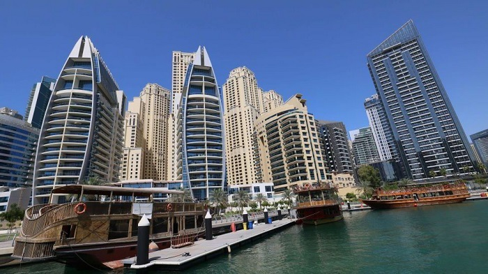 Dubai police arrest group over nude balcony shoot
