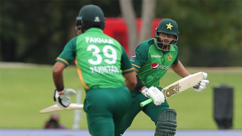 Hasan's blitz helps Pakistan set South Africa 321-run target