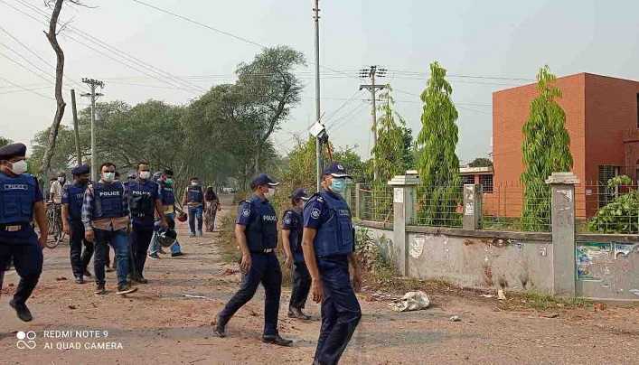 8 held, 4000 booked over Faridpur violence