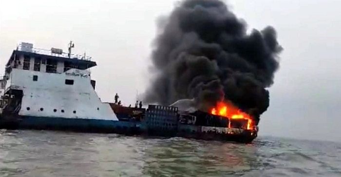 8 trucks burned as ferry catches fire in Meghna