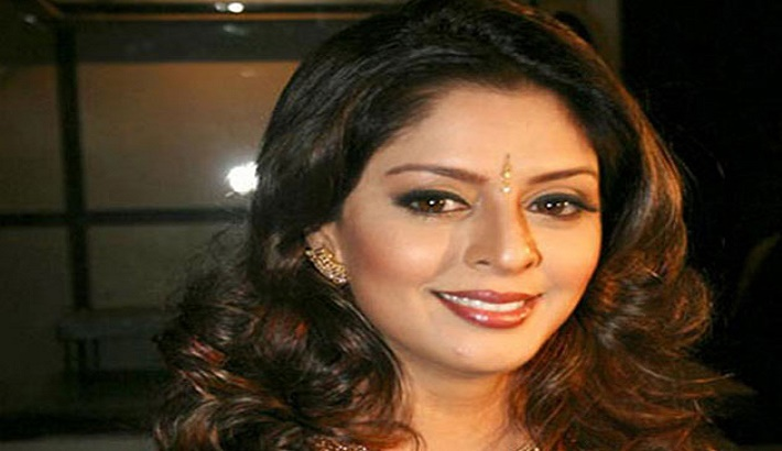 Nagma tests positive for COVID-19 after receiving first jab of vaccine