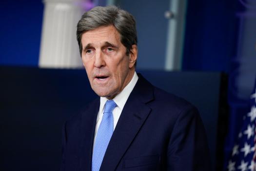 John Kerry leaves Dhaka