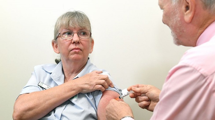 Covid: Australia faces vaccine delays after changing AstraZeneca advice