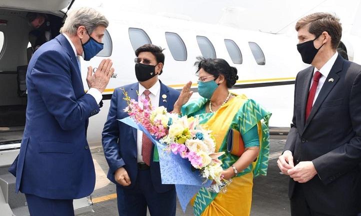 John Kerry in Dhaka to invite PM Hasina to join