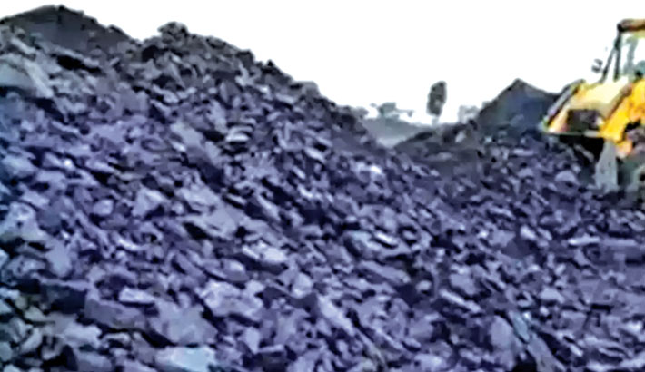India has a record level of stockpiled coal: IEEFA