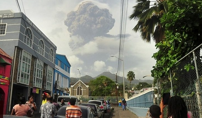 St Vincent volcano: Power cuts after another 'explosive event'