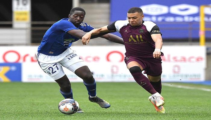 Mbappe strikes as PSG keep pressure on Lille