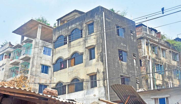 5-storey building tilts in Ctg