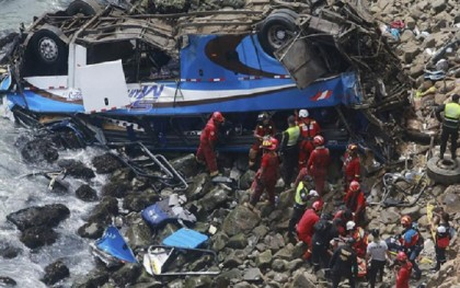 At least 22 dead as bus overturns in Peru