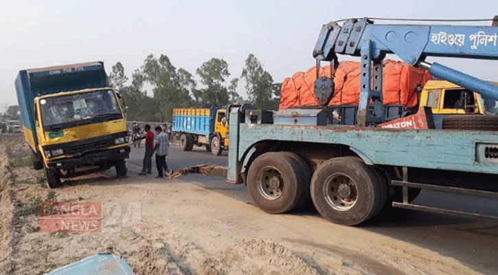 Four of a family killed in Gaibandha road crash