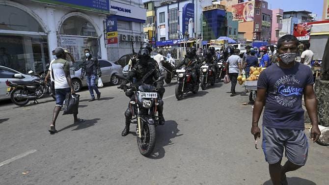Sri Lanka gets emergency China loan as rupee hits record low