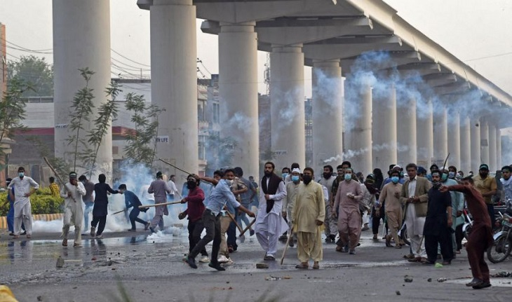 Pakistan Islamic Party leader arrested, supporters jam the road, covid oxygen supply disturbed.
