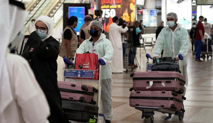 Flight cancellation causes sufferings to expats at airport