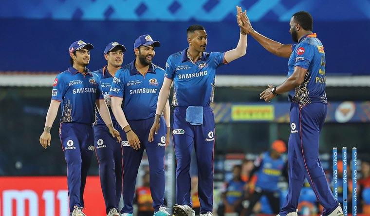 Mumbai Indians condemn Warner's Hyderabad to third straight defeat