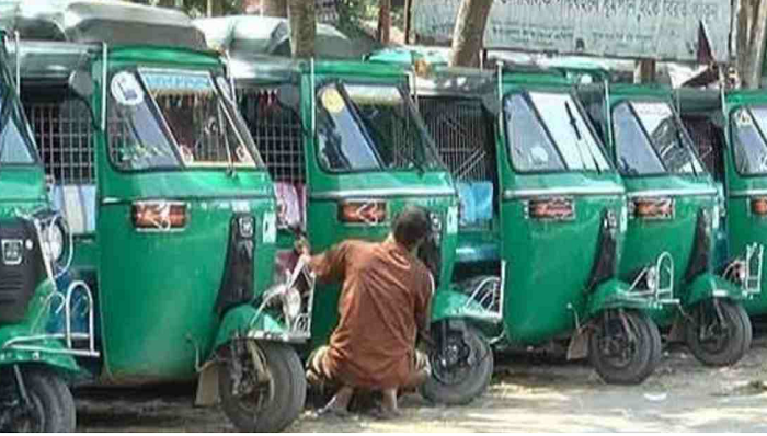 Auto-rickshaw, light vehicle workers demand food, financial support from govt in lockdown