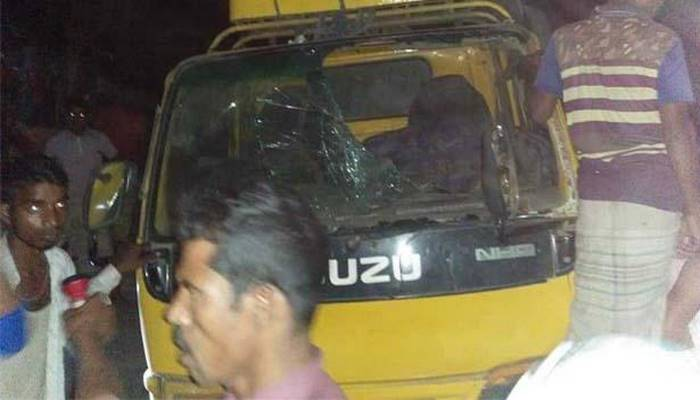 3 killed as truck overturns in Pabna