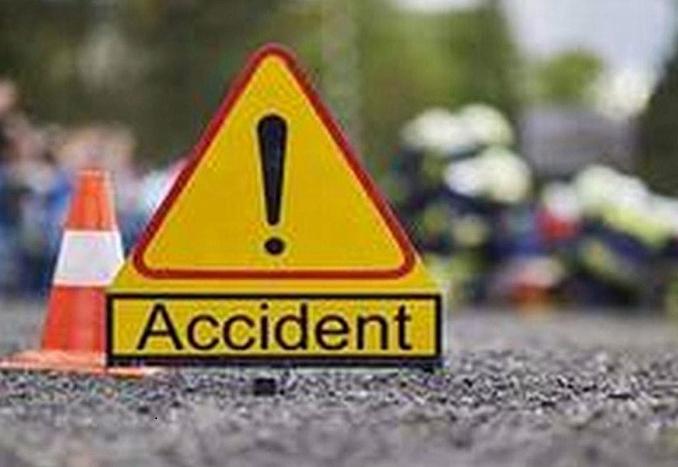 3 killed, 10 injured as lorry crashes into Cumilla restaurant