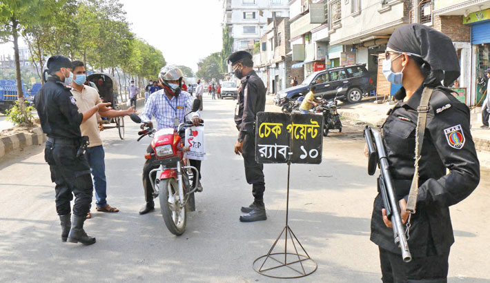 A team of RAB-10 intercepts a motorcyclist