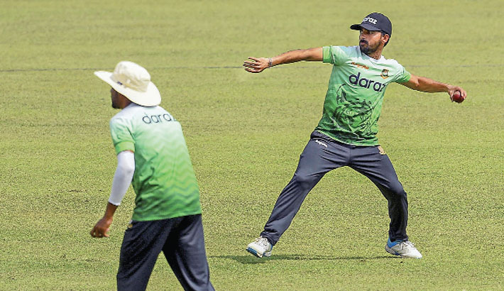 Mominul counts on pacers for away Test win