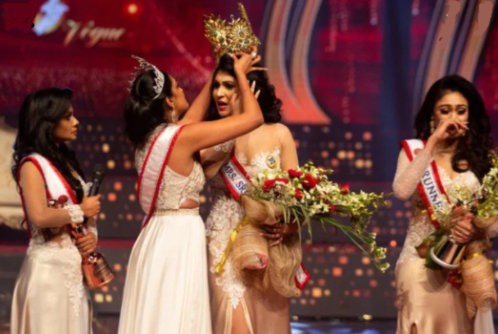 Mrs. Ireland named new Mrs. World after on-stage fracas