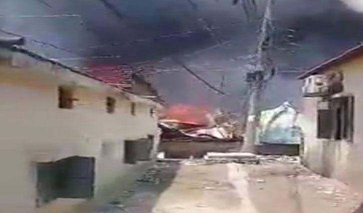 Fire breaks out at Uttara slum