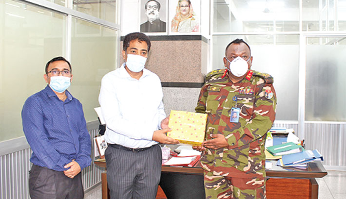 PRAN-RFL donates safety equipment to health workers