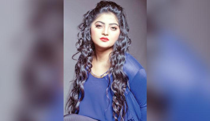 Salma's Eid song 'Pardeshi'