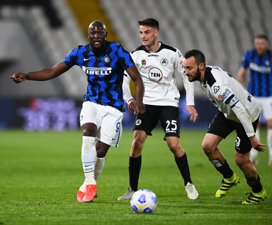 Inter draws 1-1 at Spezia but extends lead to 10 points