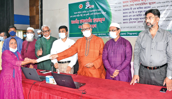 Khulna City Corporation Mayor hands over donation cheques