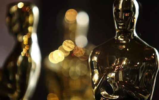 Hollywood set for pandemic-era Oscars, with 'Nomadland' out front