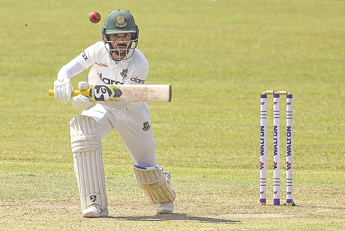 Tigers close to 500-run mark after Mominul's first away ton