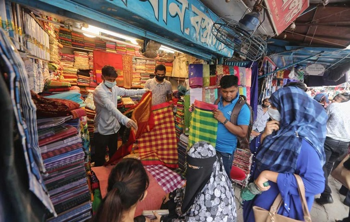 Shops, malls open Sunday following health guidelines