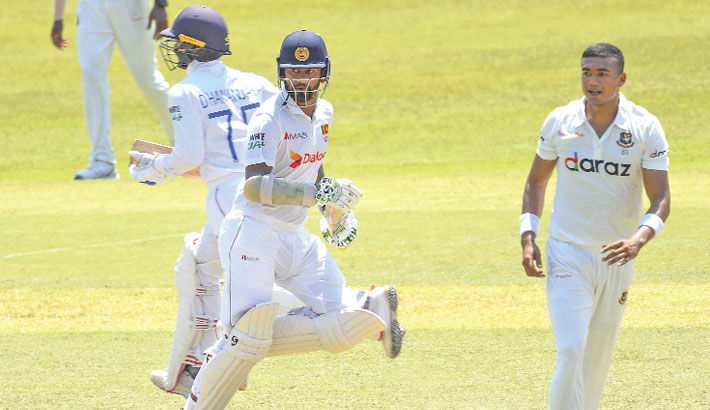 Tigers pass wicketless day as first Test heads towards draw