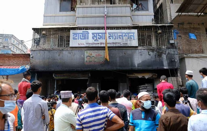 Chemical warehouses: Old Dhakaites still living with ticking time bombs