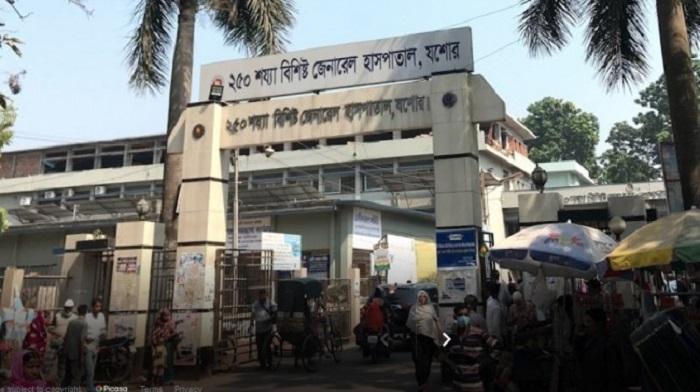 '10 India returnee' Covid patients flee Jashore hospital