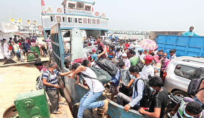 People, who left the capital before the complete lockdown, continue to return to Dhaka