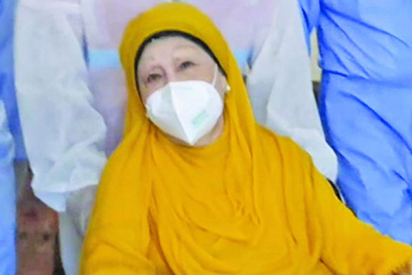 Khaleda Zia will have to stay in hospital for 2-3 days more
