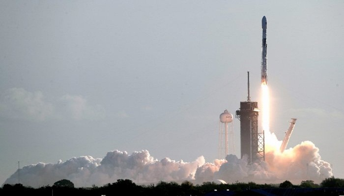 US regulator allows SpaceX Starlink satellites at lower altitude