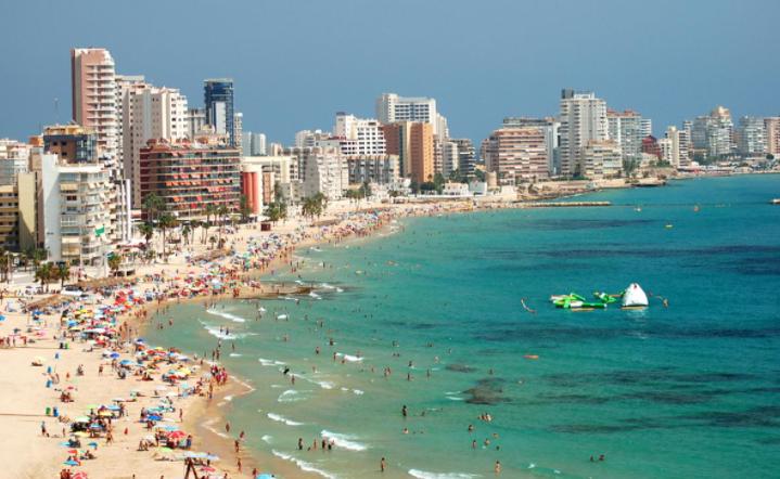 Spain hopes for tourists as EU votes on digital passports
