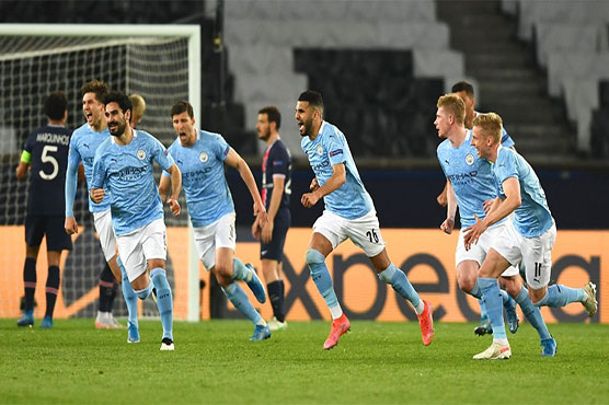 Mahrez grabs winner as Man City come from behind to beat 10-man PSG