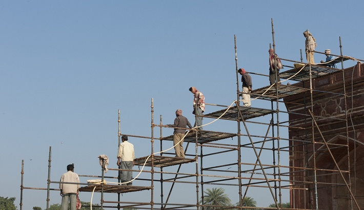 Delhi govt in India to offer medical aid of Rs 10,000 to Covid affected construction workers